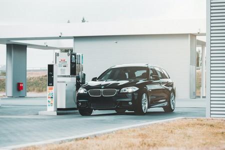car-at-petrol-pump